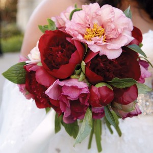 red-pink-bridal-bouquet